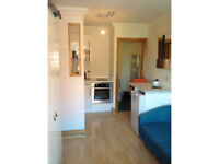 MODERN COMPACT FURNISHED STUDIO CLOSE TO CATHEDRAL INC WATER RATES