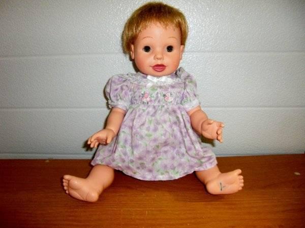 """Playmates Toys ~ Interactive 14"""" Vinyl Doll 2002"""