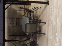Ensemble de patio. 1 tables + 6 chaises