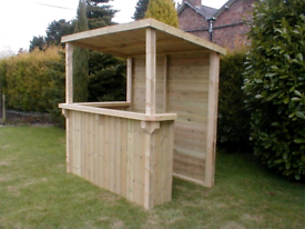 Garden opn bar with a roof made with new timber