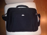 Samsonite L35 Thin Light Notebook Case - used only couple times
