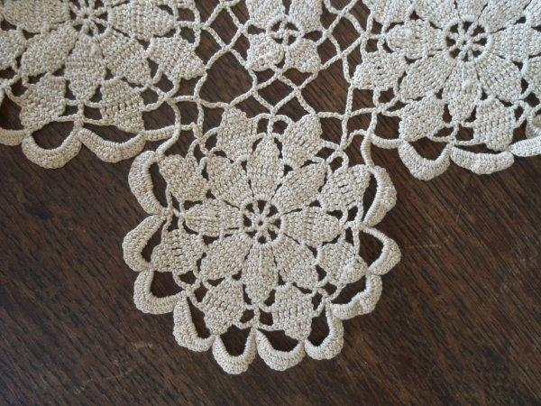 Vintage Queen Annes Lace Crochet Lace Table Runner Ecru 44""