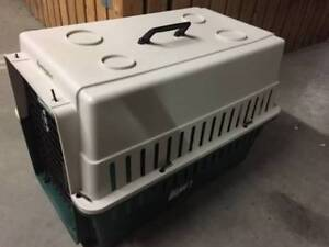 Pet/Dog carrier/crate