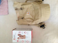 excellent condition Ergobaby carrier,no stain,pet&smoke free