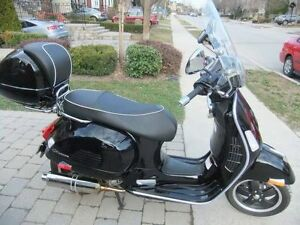 scooter Vespa 300 GTS reduced $5,500