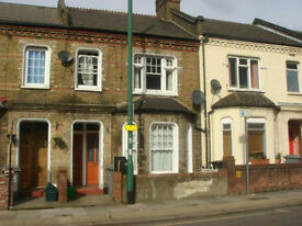 Newly decorated first floor 3 bedroom flat in house conversion. Queens Park