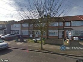 4 bedroom house in Wentworth Road, Southall, UB2 (4 bed) (#1000023)