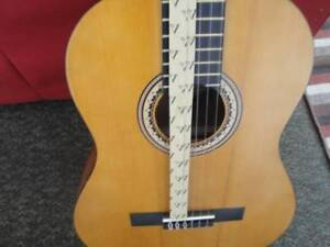 VALENCIA CLASSICAL GUITAR FULL SIZE BRAND NEW IN THE BOX $150