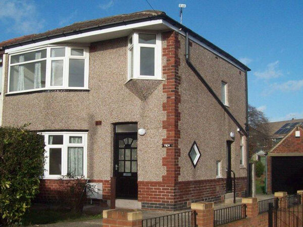 3 bedroom house in Gleadless Drive, Sheffield, S14