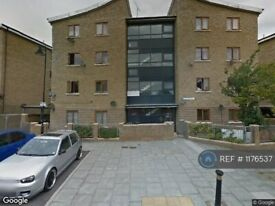 2 bedroom flat in Peach Grove, London, E11 (2 bed) (#1176537)