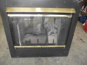NAT GAS Heat n glow model ST- 38GTV USED two sided Fireplace