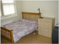 Large twintripl 4-5 mints Finsbury Park station.Close Holloway,Camden Town,Kings Cross zone 2