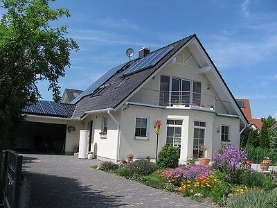 Photovoltaik und Solarthemie - für beinahe jedes Gebäude geeignet