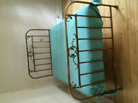 Gorgeous Antique Brass Bed frame & Mattress!