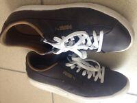 Chaussures Puma grandeur 10us (43)