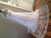 Romantic Wedding Dress - Elegant and Perfect for Outdoor Wedding