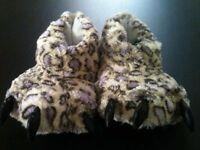 ladies bootie-slippers 5-6