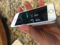 16gb iPhone 5s - gold - rogers - mint