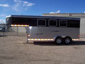 3 horse Angle Goose Neck trailer. FOR SALE