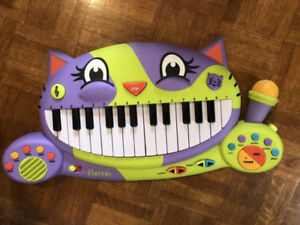 Parents Cat piano with mic