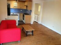 LARGE 2 BED GROUND FLOOR FLAT IN CHADWELL HEATH! OWN GARDEN. DRIVEWAY AND GARAGE. AVAILABLE NOW!!