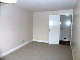 2 Bed Ground Floor Flat -Northolt UB6 near Woodend School Greenford Sudbury Harrow Perivale