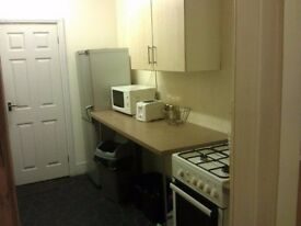 Single room to let - reasonable price