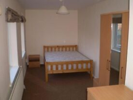 BIG DOUBLE ROOM IN PLAISTOW READY TO BE RENTED! MOVE IN WITHIN DAYS.