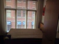 1 double room available in city center £123 p.w including all bills