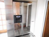 American side by side whirlpool fridge freezer