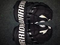 New Warrior pro stock Hockey Gloves (Adult Size 14)