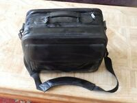 Targus leather laptop bag expandable can hold 2 laptops or several tablets