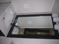 Large room with en suite bathroom for rent in townhouse