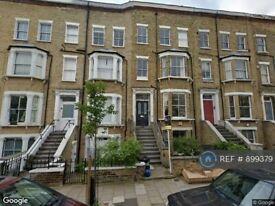 1 bedroom flat in Springdale Road, London, N16 (1 bed) (#899379)