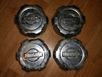Set of 4 OEM center caps for Nissan Pathfinder 1999 2000 2001