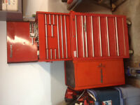 Snap On tool chest with side cab