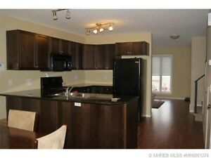 2 story, 3 bedroom condo for rent!!