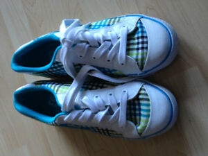 DC women's shoe size 10W