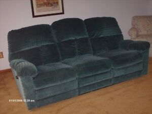 COMFY COUCH, RECLINER AT EACH END