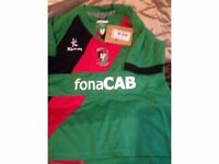 NEW Childs GLentoran home football top age 7/8 ONLY £15.00