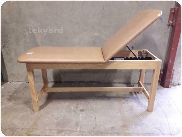 CLINTON INDUSTRIES EXAM TABLE / MASSAGE TABLE % (233655)