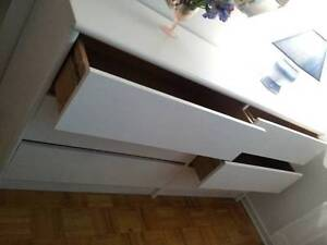 White Wooden 6-drawer Dresser, very nice & very good condition! West Island Greater Montréal image 2