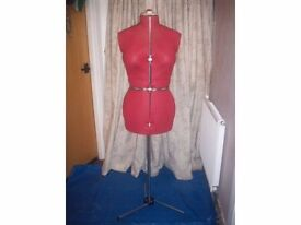 Dressmakers Dummy, Adjustable from size 16 to size 20 Really Nice Condition