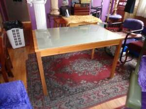 VERY NICE SOLID PINE DINING TABLE WITH FROSTED GLASS TOP