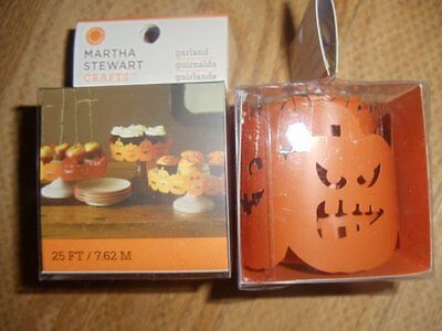 Martha Stewart Halloween Cake (Martha Stewart Halloween Garlands For Cake Stands Set of 2 Pkgs)