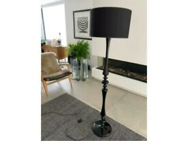 Black high gloss floor lamp with drum shade