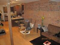 Room for rent in beautiful Plateau apartment