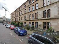 2 bedroom flat in White Street, Glasgow, G11 (2 bed) (#737711)