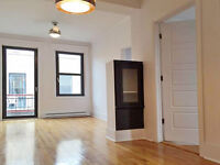 Free Rent -- Westmount Village -- Newly Renovated 4 1/2
