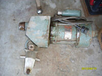 electrical 1/4 HP motor with internal 1/5 speed reducer